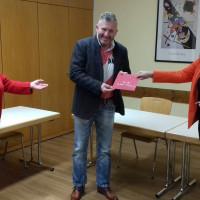 """Gratulation zum 50sten an Oliver Schulz"""" (v.l.) Marianne Schieder, Oliver Schulz, Claudia Zimmermann"""